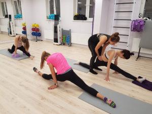 Уроки стретчингу в группе